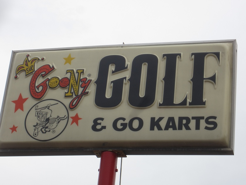 Photo Post 12: Sir Goony's in Chattanooga