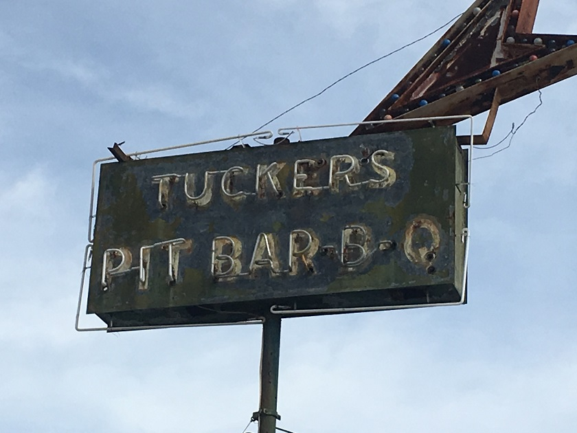 Tucker's Bar-B-Q, MaconGA